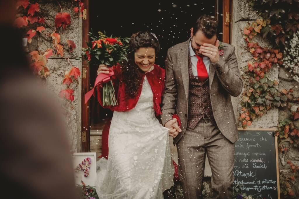 Matrimonio autunnale lancio del riso