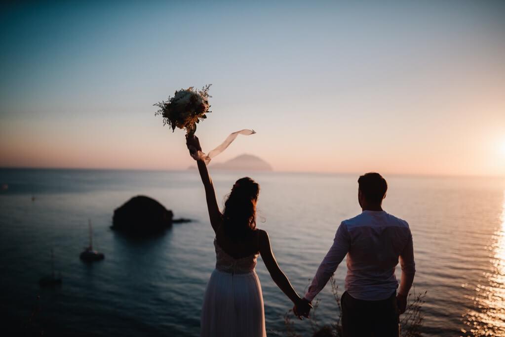 sunset-in-Salina-and-newlyweds