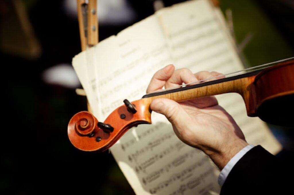 musical-instrument-wedding-religious-rite