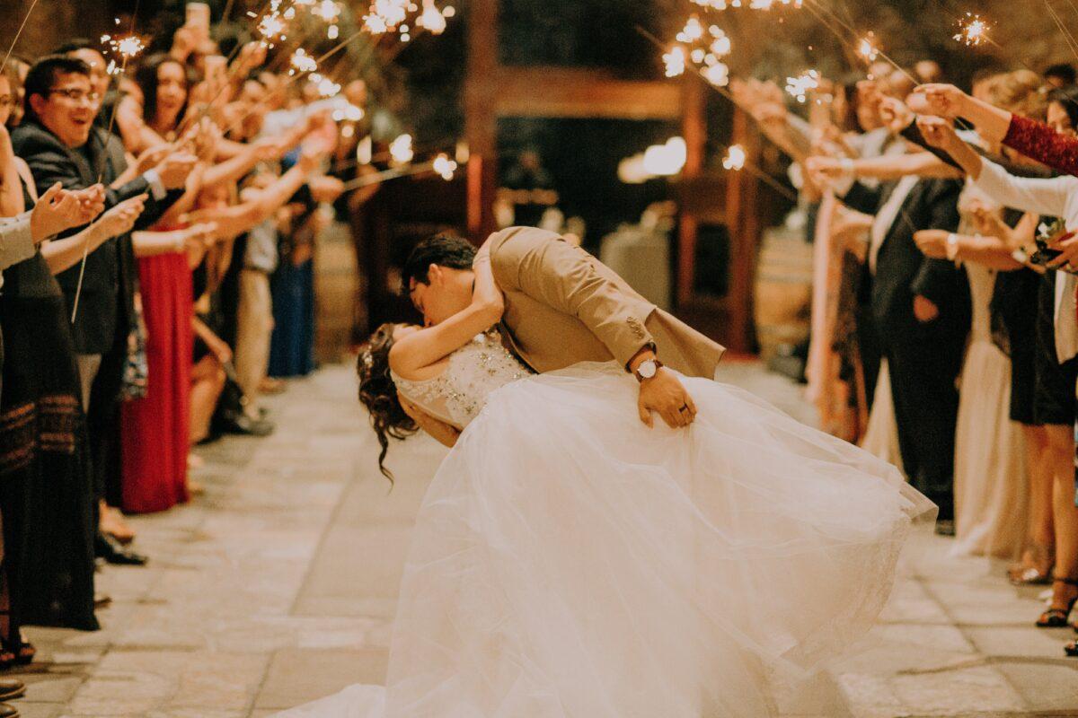 Wedding-insurance-couple-happy