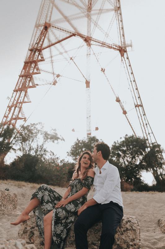coppia-di-futuri-sposi-sorride