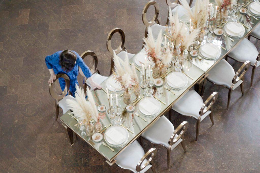 wedding-table-set-stylish-and-modern